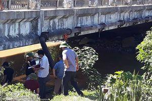 Nghệ An: Người đàn ông tử vong bí ẩn dưới chân cầu