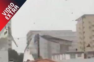 Xe bay, nhà sập trong cơn bão lớn nhất Nhật Bản 25 năm qua
