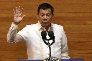 Sốc: Tổng thống Philippines đối xử với Obama như 'bạn gái cũ'