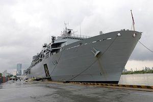 Chiến hạm khổng lồ nước ngoài vừa tới TP HCM có gì đặc biệt?