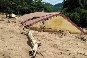 Huyện vùng biên Mường Lát vẫn bị chia cắt do mưa lũ
