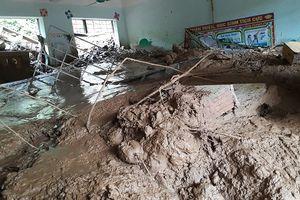 Thanh Hóa: Xót xa cảnh trường học ngập ngụa bùn trước ngày khai giảng