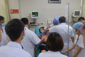 Báo động đỏ bệnh viện cứu thai phụ bị ong tấn công