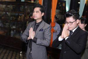 Ca sĩ Ngọc Sơn nhận quán quân bolero Duy Cường làm con nuôi