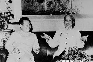Những hình ảnh tiêu biểu về mối quan hệ đặc biệt Việt Nam-Lào