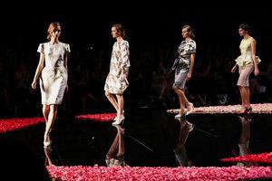 Phương My xác nhận là NTK Việt đầu tiên mở màn tuần lễ thời trang tại Canada