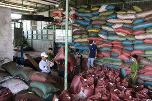 Đắk Nông: Sắp truy tố các đối tượng trong vụ trộn phế phẩm vào tiêu