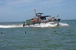 Cà Mau: Cứu vớt thành công 4 thuyền viên gặp nạn trên biển