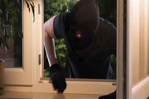 Đi nghỉ lễ 2/9, người phụ nữ bị trộm phá cửa, cuỗm gần nửa tỷ đồng