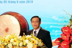 Phó Thủ tướng Vương Đình Huệ dự Lễ khai giảng tại trường Đại học Kinh tế Quốc dân