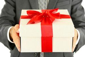 Hơn 20 cán bộ nộp lại quà tặng, tổng trị giá trên 400 triệu đồng