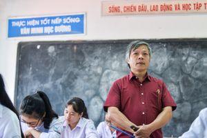 Thầy Đỗ Việt Khoa: 'Tôi luôn dạy học sinh cách vượt qua áp lực'