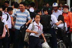 Bình Dương: Học sinh tăng chóng mặt, trường lớp không mở kịp