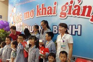 Quảng Ninh: Khai giảng năm học mới từ giường bệnh