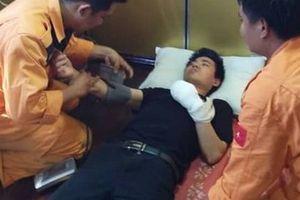 Khẩn cấp đưa tàu ra khơi cứu nạn thủy thủ Trung Quốc trong đêm