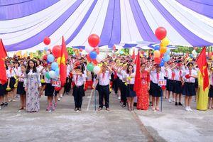 Gần 2 triệu học sinh Hà Nội tưng bừng khai giảng năm học mới