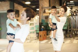 Con trai út Jennifer Phạm đắt show quảng cáo hơn mẹ