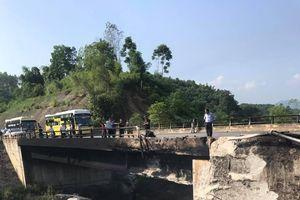 Xe bồn chở dầu bốc cháy dữ dội trên cao tốc Nội Bài-Lào Cai: Cục CSGT nói gì?