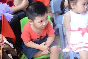 Những giọt nước mắt trong ngày đầu đến trường của trẻ mầm non