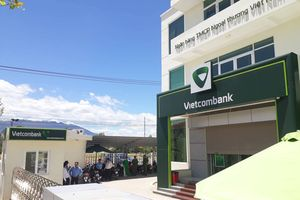 Truy tìm 2 đối tượng dùng súng cướp ngân hàng Vietcombank Khánh Hòa