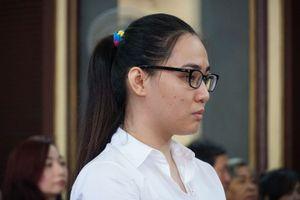 'Hoa hậu' ma túy Trần Kim Yến giả điên tại tòa