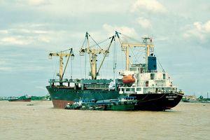 Doanh nghiệp khai thác cảng biển lao đao vì luồng cạn
