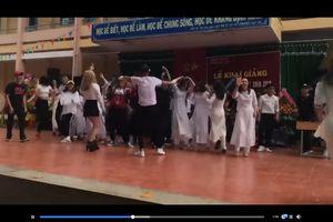 Xôn xao video học sinh nhảy cuồng nhiệt trong ngày khai giảng