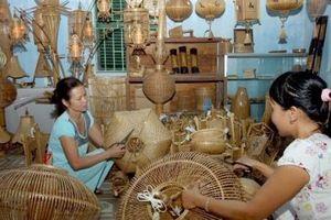 Nâng cao năng lực cạnh tranh sản phẩm thủ công mỹ nghệ của doanh nghiệp Việt