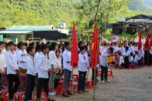 Hàng trăm học sinh Mường Lát lỡ ngày khai giảng vì mưa lũ