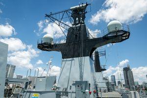 Bên trong tàu đổ bộ tối tân của Hải quân Anh cập cảng TP.HCM
