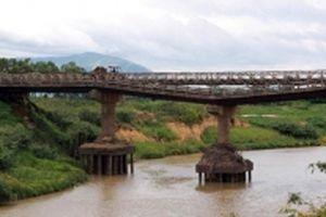 Cầu Cư Păm bị gãy gần hai năm chưa được sửa chữa