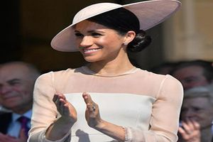Công nương Meghan Markle lọt top người nổi tiếng ăn mặc đẹp nhất năm