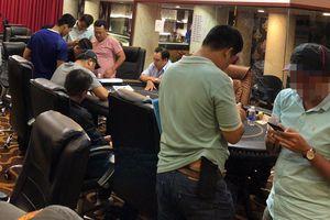 Triệt phá ổ bạc trong CLB Poker Flush