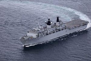 Tàu chiến Anh áp sát quần đảo Hoàng Sa bị Trung Quốc chiếm trái phép