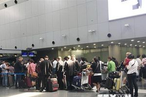 Sân bay Trung Quốc nhộn nhịp du khách nước ngoài tới Triều Tiên