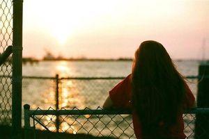 Không phải phụ nữ vì mạnh mẽ nên cô đơn, mà là vì cô đơn mới trở nên mạnh mẽ!