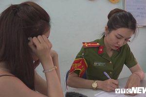 Lợi dụng `danh hiệu`, sự nổi tiếng để bán dâm ngàn đô gây xôn xao showbiz Việt