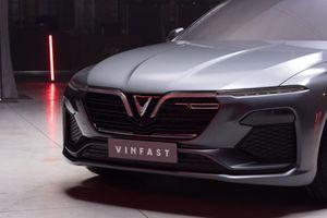 Hot: VinFast tung video thực tế mới nhất về 2 mẫu xe SUV và sedan sắp ra mắt