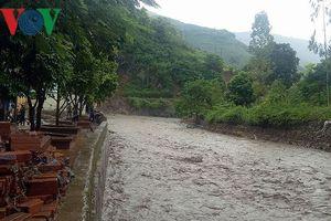 Canh cánh nỗi lo của các trường học ven suối ở Sơn La trong mùa lũ