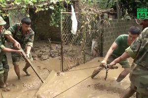 Cảm động tình người sau mưa lũ ở Thanh Hóa