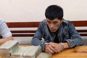 9X ngoại quốc tuồn 10 bánh heroin và 1 kg ma túy đá vào Việt Nam