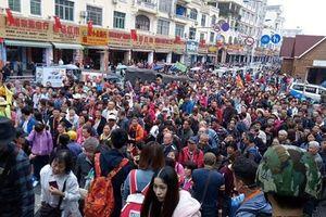 Quảng Ninh: 'Bắt' lúc nào cũng 'dính', vì sao các công ty tour 0 đồng vẫn nhởn nhơ?