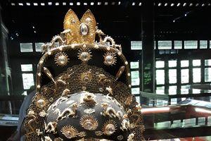 Mê mẩn với hình ảnh rồng- phượng trên những bảo vật triều Nguyễn