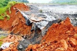 Vỡ hồ nước thải bãi chứa GYPS Nhà máy DAP Lào Cai