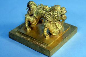 Triển lãm 'Rồng-Phượng trên bảo vật triều Nguyễn'