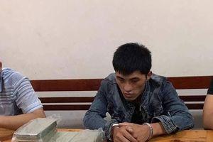Bắt đối tượng nước ngoài vận chuyển 10 bánh heroin vào Việt Nam