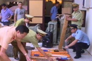 Bắc Ninh: Tịch thu 20 cây kiếm và nhiều hàng hóa không hóa đơn, chứng từ