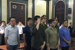 Nguyên cán bộ công an chối tội trong vụ án buôn lậu xe Việt kiều hồi hương