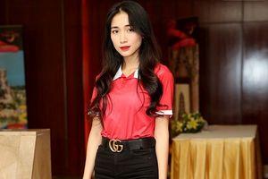Sau scandal, Hòa Minzy rạng rỡ tham dự 'Cầu thủ nhí 2018' cùng Hiếu Hiền