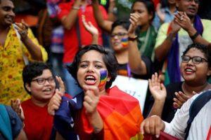 Nhiều ngôi sao nổi tiếng chúc mừng Ấn Độ bỏ lệnh cấm đồng tính luyến ái